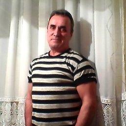 андрей, 65 лет, Щорс
