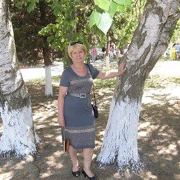 ирина, 66 лет, Цюрупинск