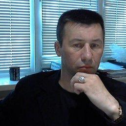 Олег, Хабаровск, 54 года