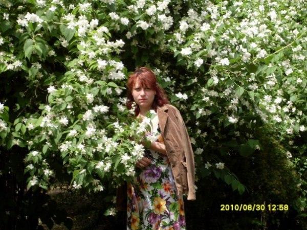 Фото в парке: жасмин и я - ольга Хмелевская, 40 лет, Одесса