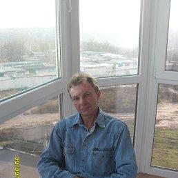 владимир, 54 года, Обухов