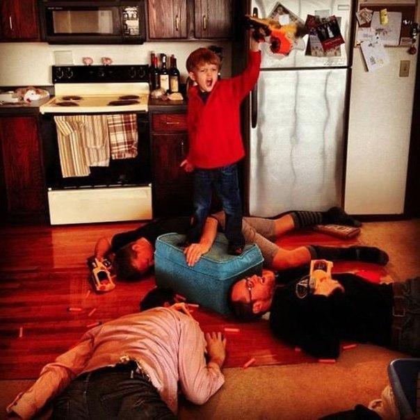 Веселые родители и их дети. Приятно видеть, когда родители действительно заботятся о своих ... - 8