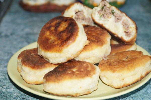 пирожки с капустой и с мясом на сковороде рецепт