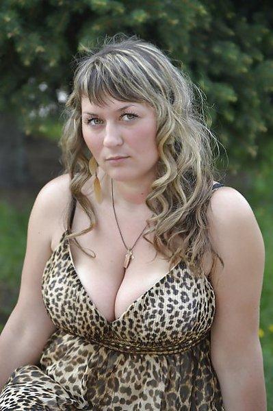 том частная фотосессия русской женщины с очень большой грудью тактарова впереди