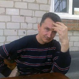 Александр, 47 лет, Узин