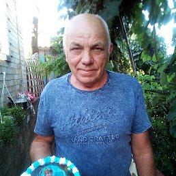 Анатолий, 63 года, Енакиево