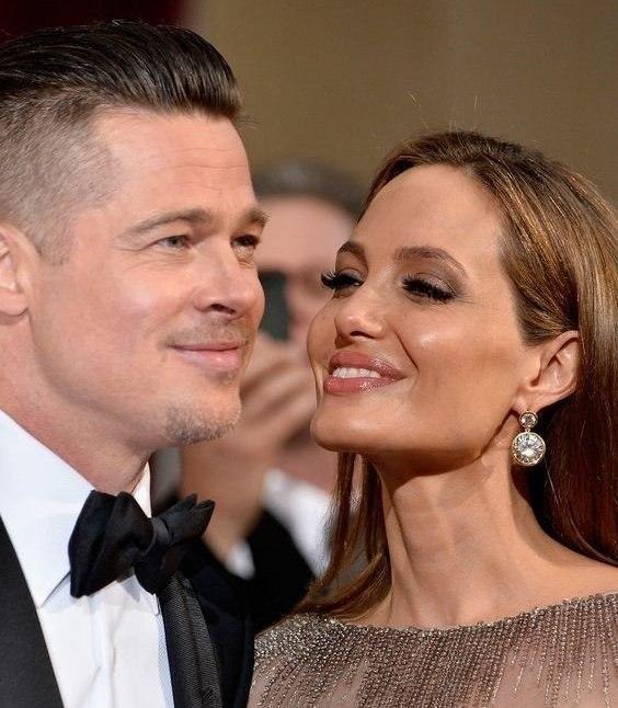 Женщина является отражением своего мужчины. Она прекрасна, если прекрасен ты по отношению к ней. ...