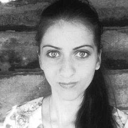 Daniela Lazari, 21 год, Резина