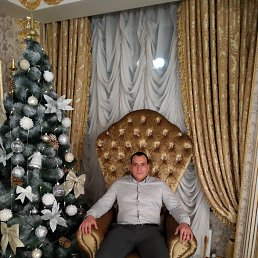 Александр, 32 года, Солнечнодольск