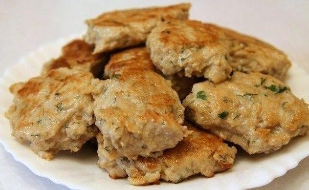 Самые вкусные в мире котлеты.Ингредиенты:-Фарш из индейки или курицы (я готовлю из индейки) - 800 ...
