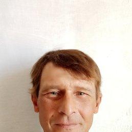 Олег, 45 лет, Омск